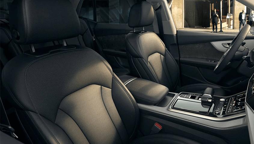 2 - Interior- 2021 Audi Q7